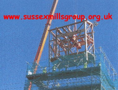 Carefully lowering the buck into the scaffolding and on to the post : [Taken at 9.30 am on 16/9/04]